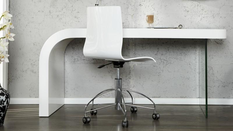 Bureau design laqué blanc avec piétement en verre naas gdegdesign