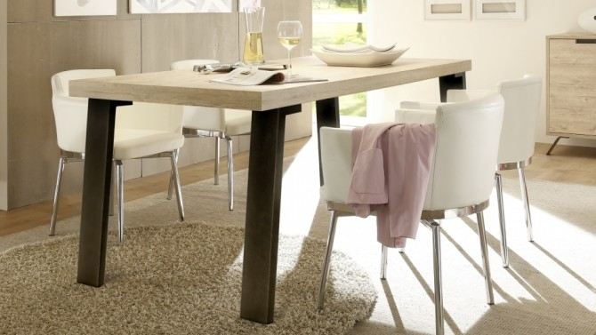 Table à manger design bois clair - Vram