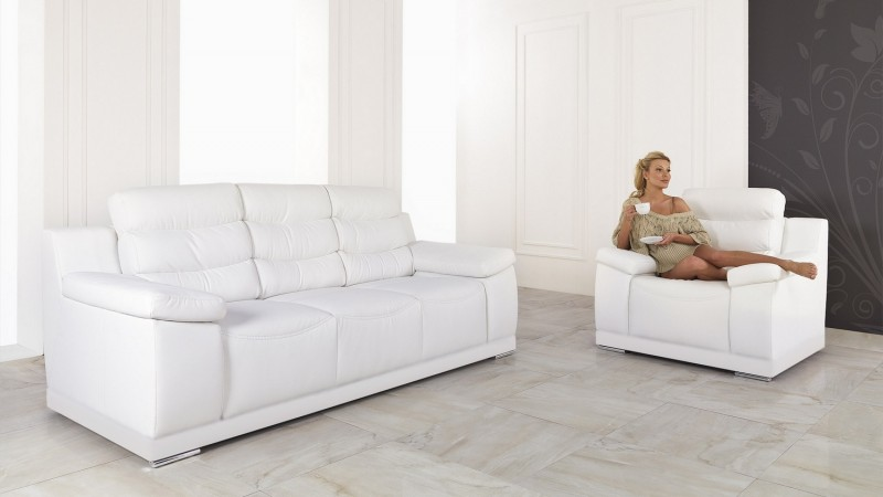 fauteuil de salon design en cuir de haute qualit goran. Black Bedroom Furniture Sets. Home Design Ideas