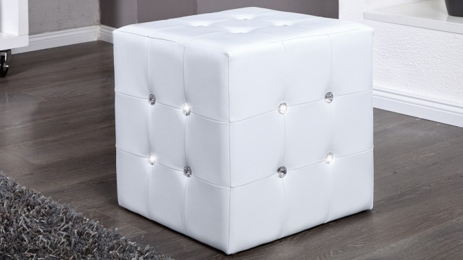 pouf strass en simili cuir blanc moderne capitonn palma. Black Bedroom Furniture Sets. Home Design Ideas