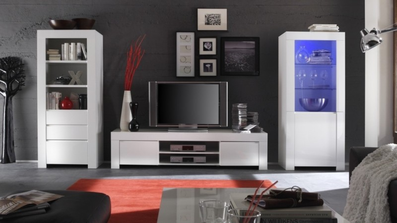 meuble tv laqu blanc 190 cm avec portes et tag re naomi gdegdesign. Black Bedroom Furniture Sets. Home Design Ideas